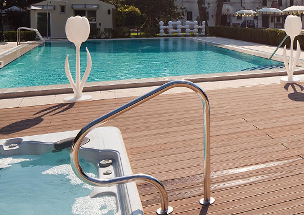 pavimento-legno-esterno-teak-acqua-bordovasca2 [©GREENWOOD] aria-label=