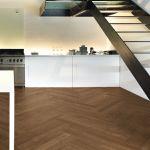 pavimento-legno-interno-cucina-barrique-mais [©GAZZOTTI]