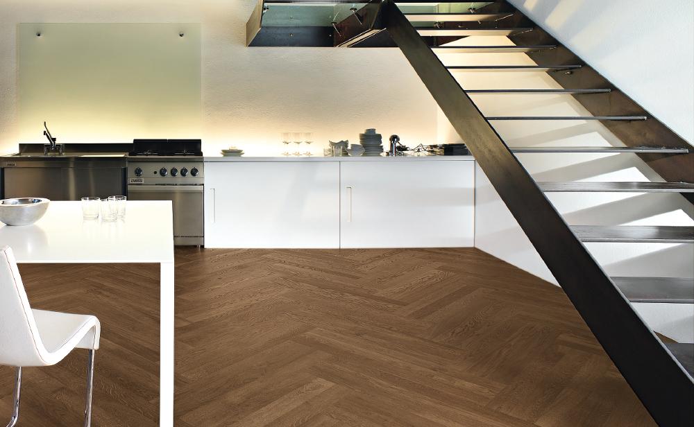 Pavimento legno interno cucina barrique mais monteferrario for Pavimento in legno interno