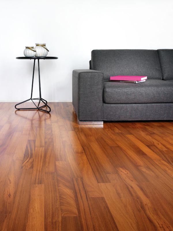 pavimento-legno-interno-salotto [©GAZZOTTI] aria-label=