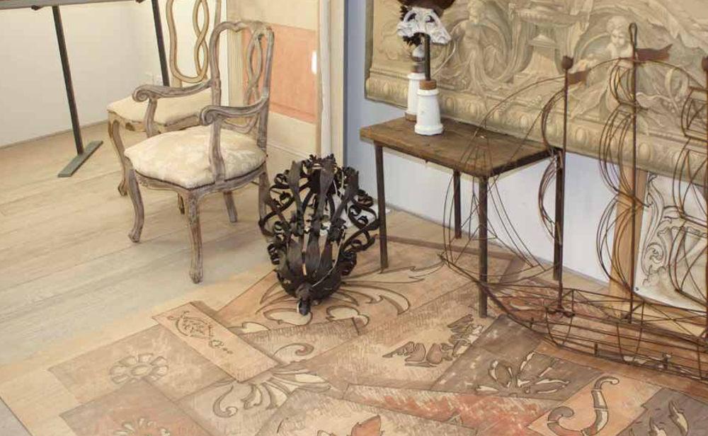 pavimento-legno-interno-stancil-artistico-decorazione_1 [©GAZZOTTI] aria-label=