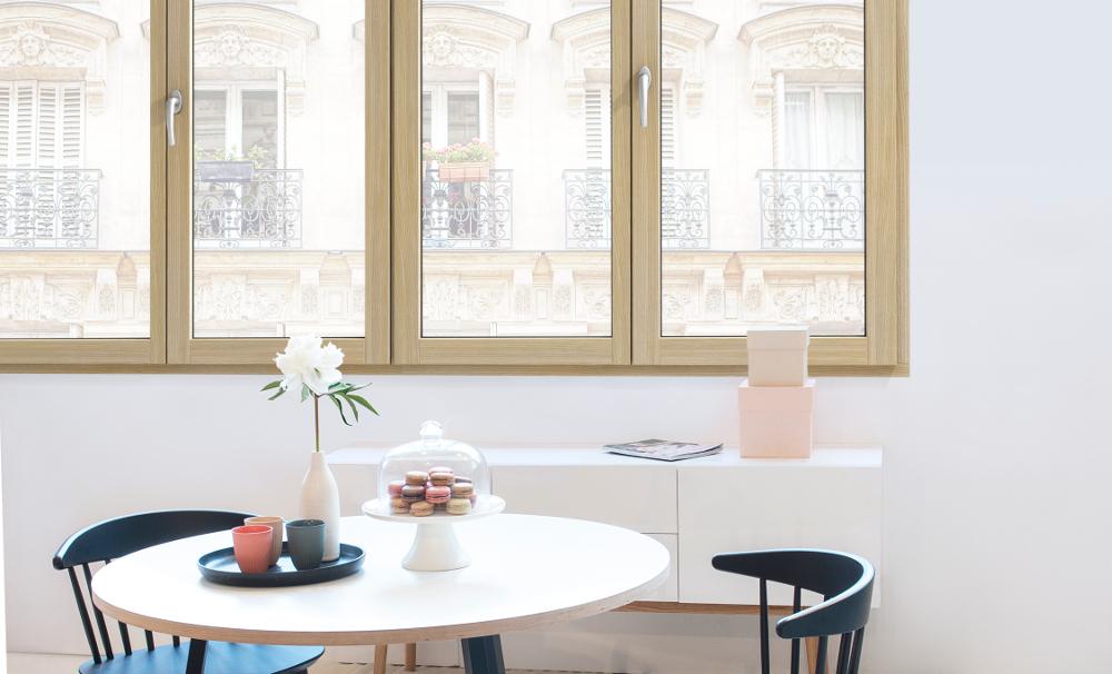 serramenti-finestre-legno-chiaro-Internorm-modello-HF410_2 [©INTERNORM] aria-label=