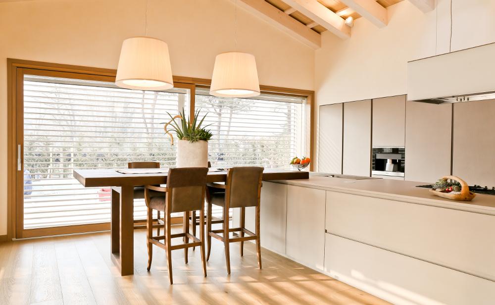serramenti-finestre-vetrata-legno-interno-Campesato [©CAMPESATO] aria-label=