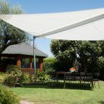 pergola-tenda-da-sole-Corradi-modello-Libeccio-giardino_1 [©CORRADI]