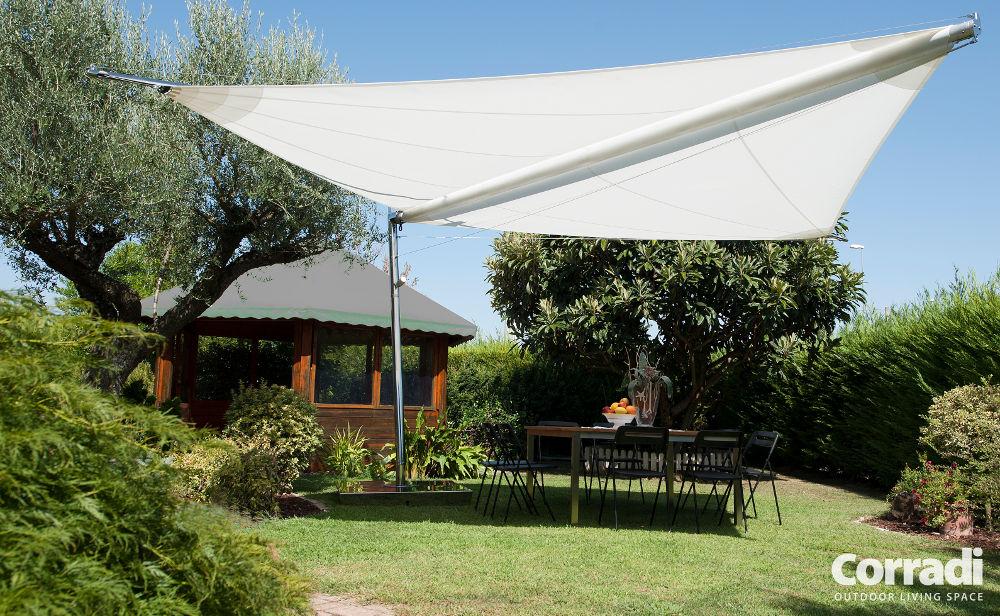 pergola-tenda-da-sole-Corradi-modello-Libeccio-giardino_1 [©CORRADI] aria-label=