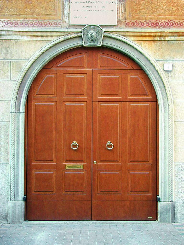 L'Ebanisteria Monteferrario Serramenti Cossato - Porte Garage Silvelox classica