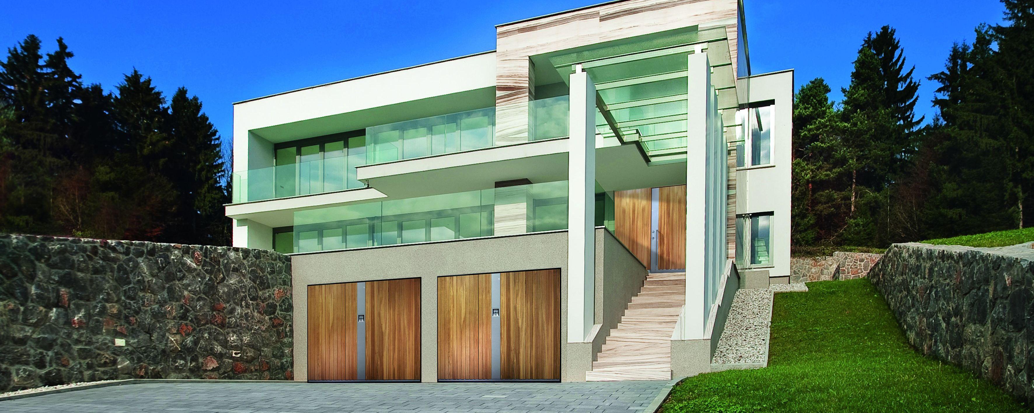 LEbanisteria Monteferrario serramenti Cossato - porte garage legno